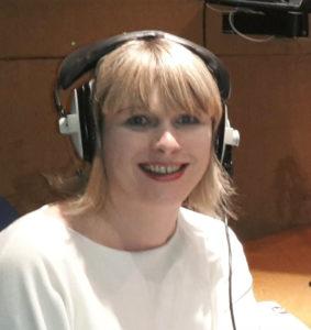 Sarah-Staar-Headphones-profle